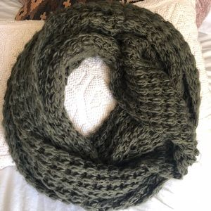 Chunky Knit Olive Green Oversized Scarf